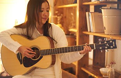 img_acoustic_guitar_3